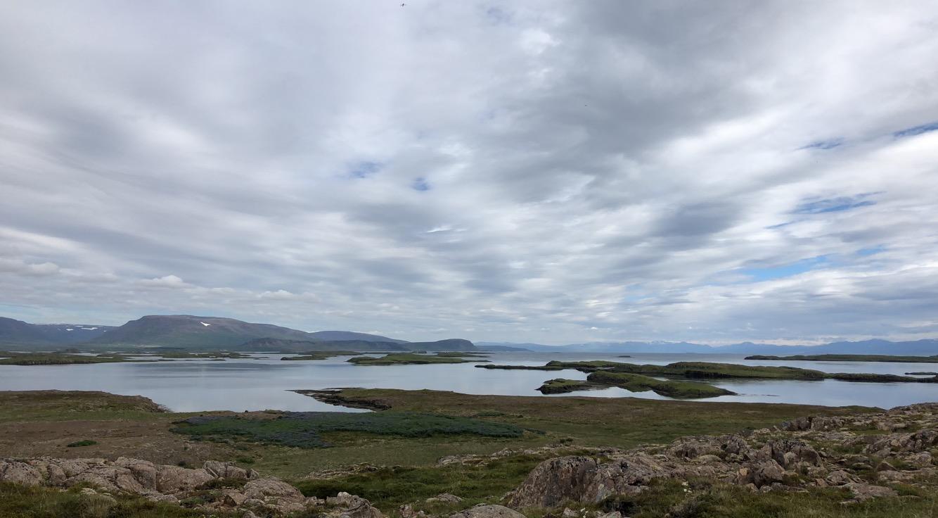 staðið á borginni á Purkey, horft í áttina að Hvammsfirði